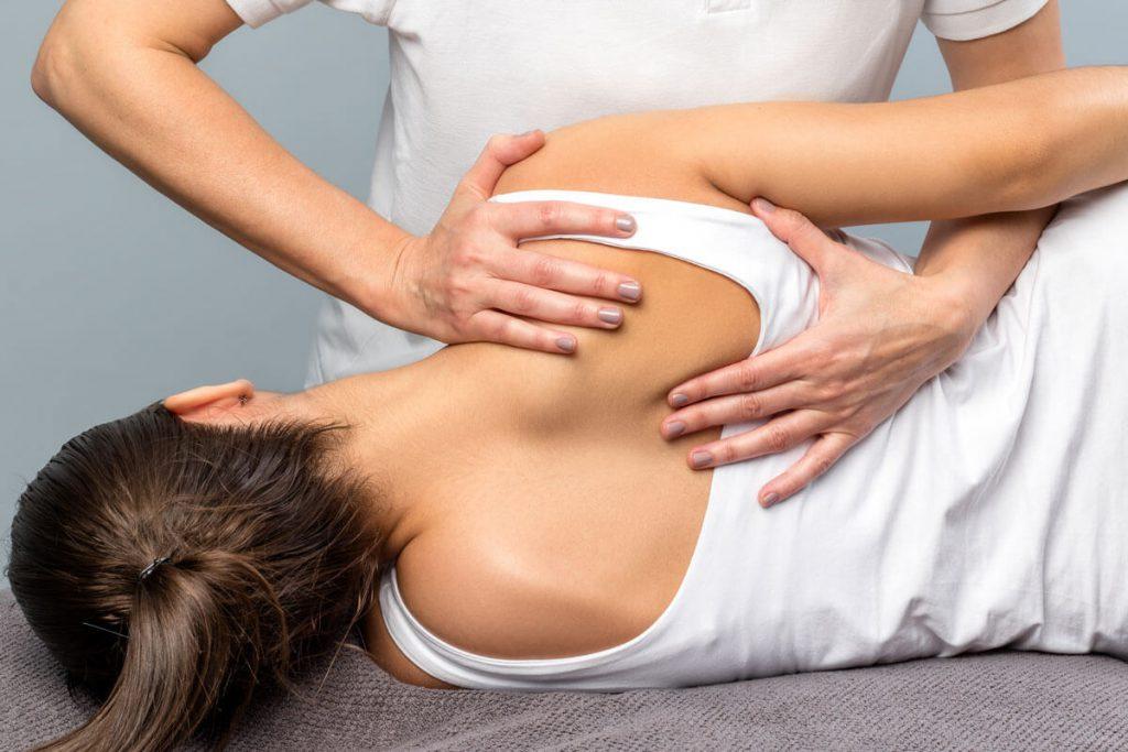 Rückenschmerzen behandeln lassen mit Physiotherapie, Krankengymnastik, Therapie nach Gelenkoperationen - Therapiezentrum Lich bei Gießen
